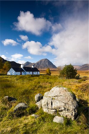 Cottage on Rannoch Moor near Buachaille Etive Mor, Highlands, Scotland, United Kingdom, Europe Stock Photo - Rights-Managed, Code: 841-03518683