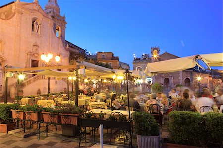 People in a restaurant, Taormina, Sicily, Italy, Europe Stock Photo - Rights-Managed, Code: 841-03518828