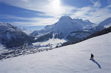 sports and snowboarding - Snow-boarder on piste at Lech near St. Anton am Arlberg in winter snow, Austrian Alps, Austria, Europe Stock Photo - Rights-Managed, Code: 841-03677475