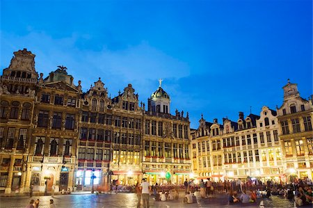 placing - Guildhalls in the Grand Place illuminated at night, UNESCO World Heritage Site, Brussels, Belgium, Europe Stock Photo - Rights-Managed, Code: 841-03673071