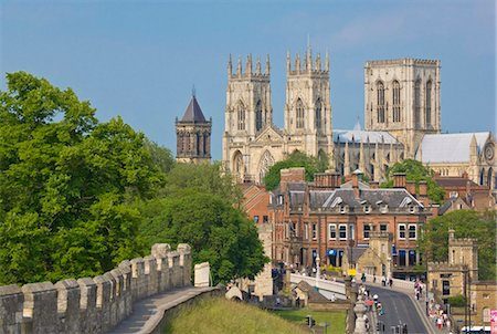 York Minster, northern Europe's largest Gothic cathedral, and a section of the historic city walls along Station Road, York, Yorkshire, England, United Kingdom, Europe Stock Photo - Rights-Managed, Code: 841-03868221