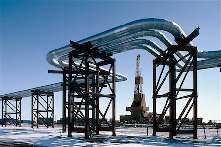 drilling - Oil Rig & Pipeline North Slope Prudhoe Bay AK Arctic Stock Photo - Rights-Managed, Code: 854-02955529