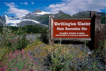 road landscape - View of Worthington Glacier near Valdez. Summer in Southcentral Alaska. Stock Photo - Rights-Managed, Code: 854-02956081