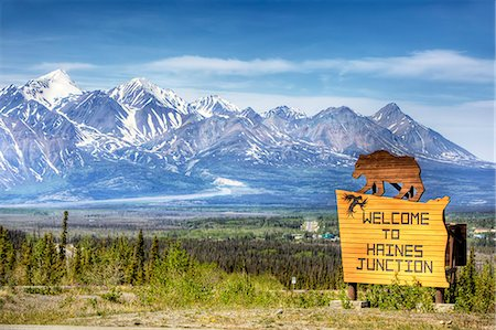 road landscape - Scenic view of Haines Junction from the Alaska Highway in Fall, Yukon Territory, Canada Stock Photo - Rights-Managed, Code: 854-03362305