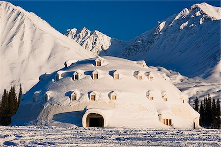 small town snow - View of Igloo City, a uniquely Alaskan architectural icon located along the George Parks Highway near Broad Pass, Southcentral Alaska, Winter Stock Photo - Rights-Managed, Code: 854-03646312