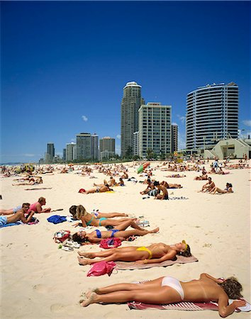 Gold Coast resort, Australia Stock Photo - Rights-Managed, Code: 855-03255252