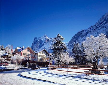 small town snow - Grindelwald, Switzerland Stock Photo - Rights-Managed, Code: 855-03255324