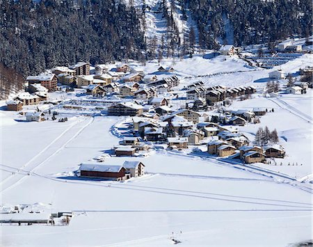 small town snow - Grindelwald, Switzerland Stock Photo - Rights-Managed, Code: 855-03255325