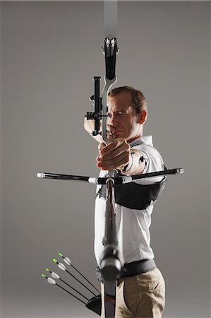 practise - Archer Aiming Stock Photo - Rights-Managed, Code: 858-06121547