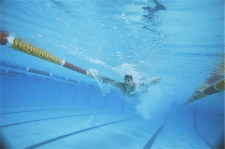 forward - Male Swimmer Underwater In Pool Stock Photo - Rights-Managed, Code: 858-06756380