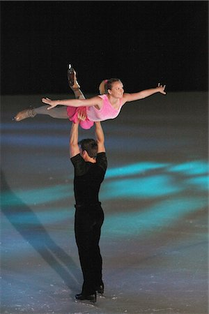 Figure Skaters doing Platter Lifting Stock Photo - Rights-Managed, Code: 858-03448605