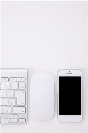 Smartphone mouse and keyboard Stock Photo - Rights-Managed, Code: 859-06538145