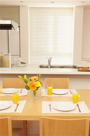 setting kitchen table - Eat in kitchen Stock Photo - Rights-Managed, Code: 859-06538432