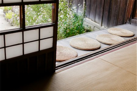 Traditional Japanese house Stock Photo - Rights-Managed, Code: 859-08887647