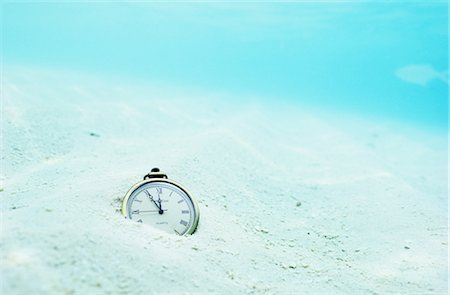 sand clock - Pocketwatch on Ocean Floor Stock Photo - Rights-Managed, Code: 859-03040232