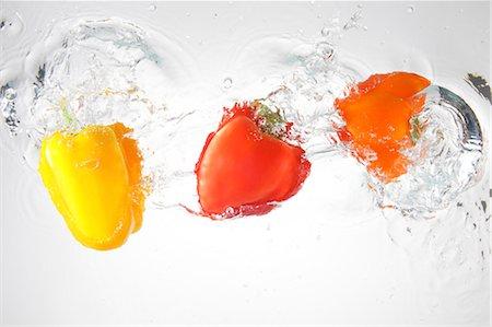 paprika - Paprika Splashing In To Water Stock Photo - Rights-Managed, Code: 859-03598686