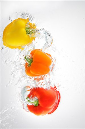 paprika - Paprika Splashing In To Water Stock Photo - Rights-Managed, Code: 859-03598688