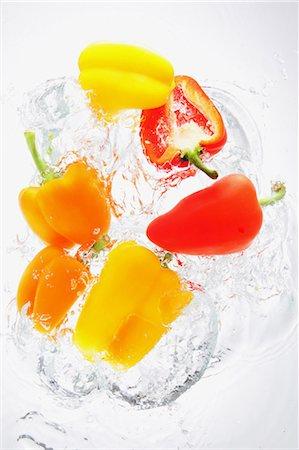 paprika - Paprika Splashing In To Water Stock Photo - Rights-Managed, Code: 859-03598698