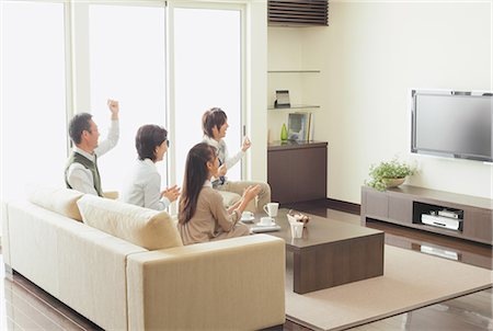 plasma - Family Watching TV Stock Photo - Rights-Managed, Code: 859-03599400