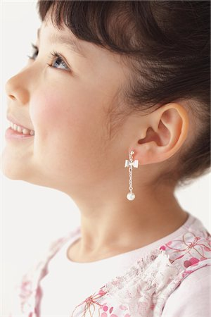 preteen girls faces photo - Side Face Of Beautiful Girl Wearing Earring Stock Photo - Rights-Managed, Code: 859-03806065