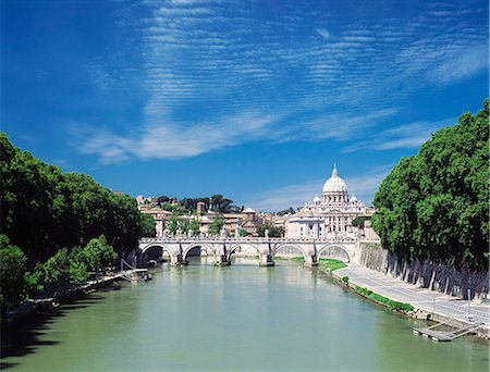 Looking down River Tiber to St Peter's Basilica,Vatican City,Rome,Italy Stock Photo - Rights-Managed, Code: 851-02960789