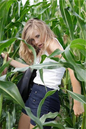 erotic female figures - Young woman in cornfield Stock Photo - Rights-Managed, Code: 853-05523697