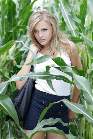erotic female figures - Young woman in cornfield Stock Photo - Rights-Managed, Code: 853-05523698