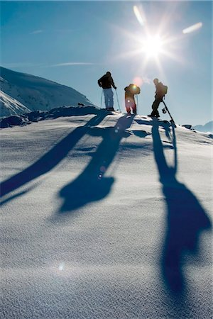 sports and snowboarding - Skiers and snowboarders Stock Photo - Rights-Managed, Code: 853-05840915
