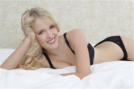 Young blond woman, portrait Stock Photo - Rights-Managed, Code: 853-05840990