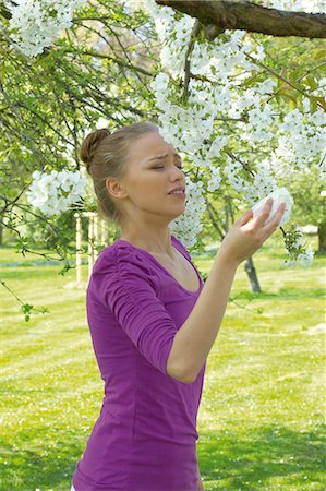 people coughing or sneezing - Young woman sneezing Stock Photo - Rights-Managed, Code: 853-06441401