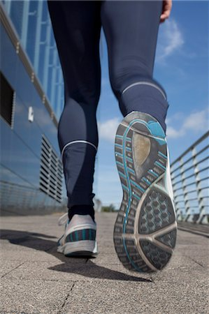 sole - Man jogging Stock Photo - Rights-Managed, Code: 853-06441582