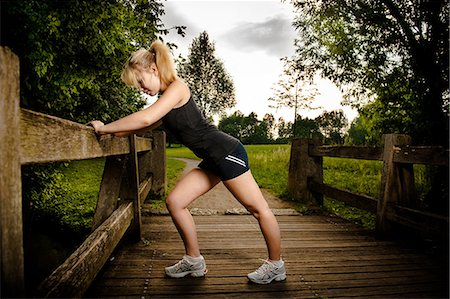 Young woman doing fitness training Stock Photo - Rights-Managed, Code: 853-06442045