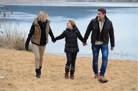 preteen touch - Parents with daughter, Upper Palatinate, Bavaria, Germany, Europe Stock Photo - Rights-Managed, Code: 853-07148553