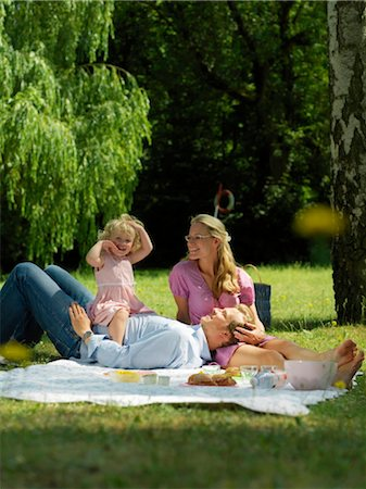 family fun day background - Family having picnic in park Stock Photo - Rights-Managed, Code: 853-02914296