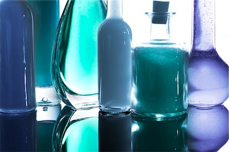 Close-up of toiletries Stock Photo - Rights-Managed, Code: 853-03227796