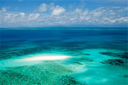 queensland - Australia, Queensland, Cairns.  Aerial view of Vlassof Cay in Great Barrier Reef Marine Park. Stock Photo - Rights-Managed, Code: 862-05996807