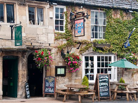 european bar building - Traditional pub in Burford, Cotswolds, Oxfordshire, UK Stock Photo - Rights-Managed, Code: 862-05997499