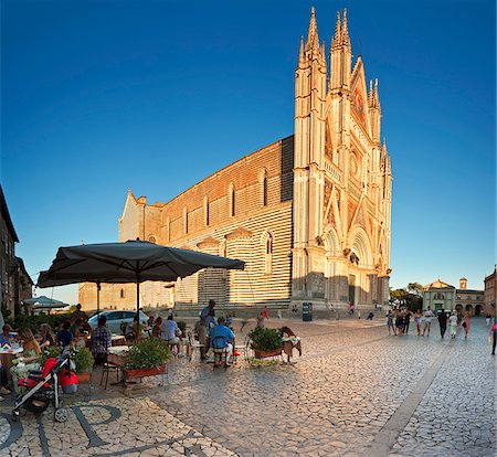 Italy, Umbria, Terni district, Orvieto,  Cathedral in Piazza Duomo. Stock Photo - Rights-Managed, Code: 862-05998132