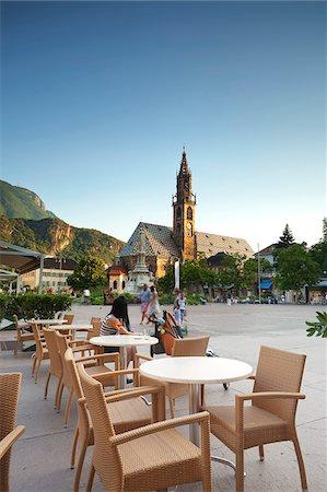 european cafe bar - Italy. Trentino-Alto Adige. Bolzano district, South Tyrol Bolzano. Piazza Walther Stock Photo - Rights-Managed, Code: 862-05998198