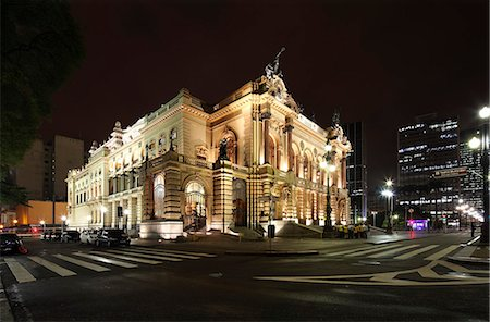 Municipal Theatre of Sao Paulo is a theatre in Sao Paulo, Brazil. Stock Photo - Rights-Managed, Code: 862-06540792