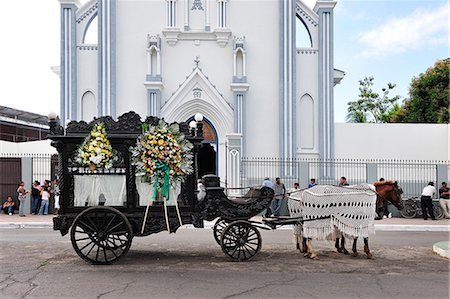Horse drawn Hearse in Granada, Nicaragua, Central America Stock Photo - Rights-Managed, Code: 862-06542577
