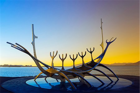 Iceland, Reykjavik, Solfar (Sun Voyager), iconic stainless-steel modern sculpture representing a Viking longboat by Jon Gunnar Arnason Stock Photo - Rights-Managed, Code: 862-06825650