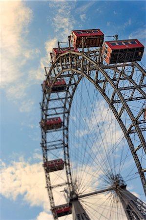 dpruter - Austria, Osterreich. Vienna, Wien. Ferris wheel at the Wiener Prater. Stock Photo - Rights-Managed, Code: 862-07689816