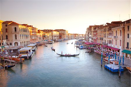 Italy, Veneto, Venice. View from the Ponte di Rialto over the Grand Canal. UNESCO. Stock Photo - Rights-Managed, Code: 862-07690105