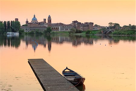 Italy, Lombardy, Mantova district, Mantua, View towards the town and Lago Inferiore, Mincio river. Stock Photo - Rights-Managed, Code: 862-07690160