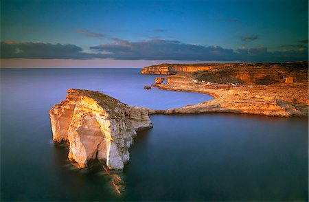Europe, Maltese Islands, Gozo. Dramatic scenery in Dwejra Stock Photo - Rights-Managed, Code: 862-07690411