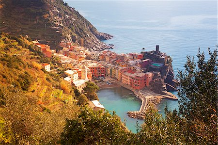 Italy, Liguria, Cinque Terre, Vernazza. Overview of the small fishing village of Vernazza part of the famed Cinque Terre region. (Unesco) Stock Photo - Rights-Managed, Code: 862-07910119