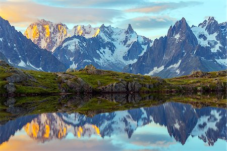 snow capped - Europe, France, Haute Savoie, Rhone Alps, Chamonix, Lacs des Cheserys at dawn Stock Photo - Rights-Managed, Code: 862-08090203