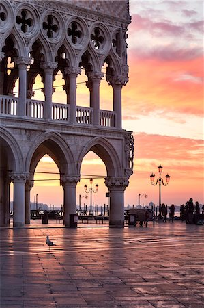 Italy, Veneto, Venice. Sunrise over Piazzetta San Marco and Doges palace Stock Photo - Rights-Managed, Code: 862-08090428