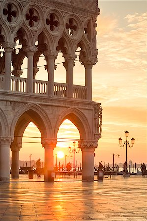 Italy, Veneto, Venice. Sunrise over Piazzetta San Marco and Doges palace Stock Photo - Rights-Managed, Code: 862-08090430